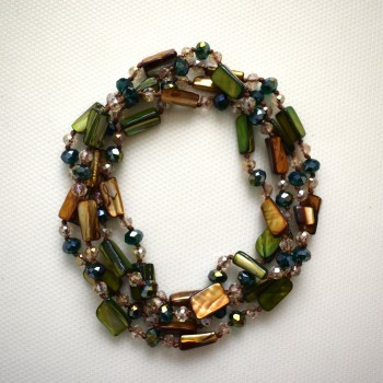 Green necklace, pearl and glass