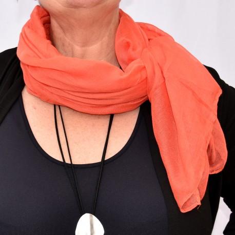 Enfärgad sjal i fina färger