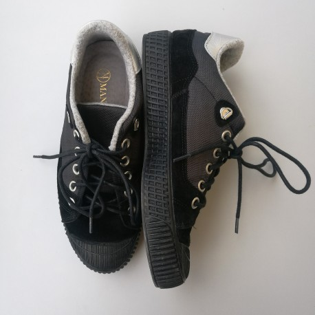 Black and white sneakers, HARRIET