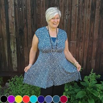 Blommig klänning, finns i flera färger