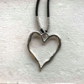 Long necklace with a big heart