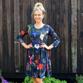 Blommöntrad klänning, BEATA
