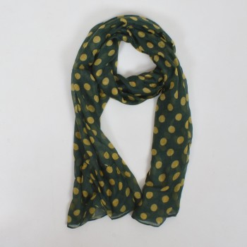 Scarf with small dots