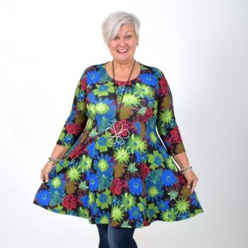 Kukkakuviollinen mekko, BEATA