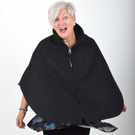 Poncho with zipper