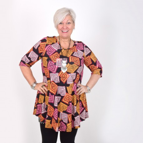 Flattering tunic with cool pattern, MICHELLE