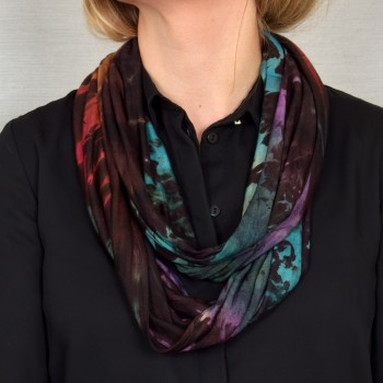 Endless scarf, dye colored