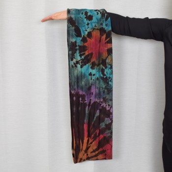 Endless scarf, dye colored