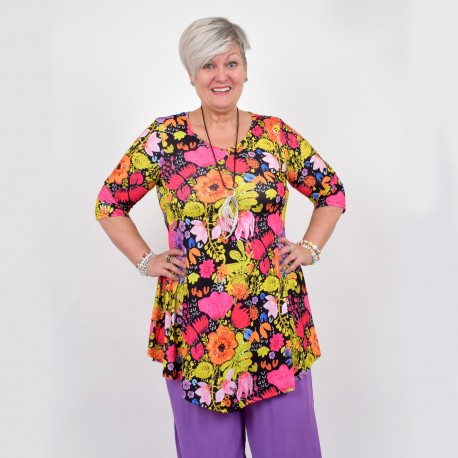Flattering tunic with cool flower pattern, MICHELLE