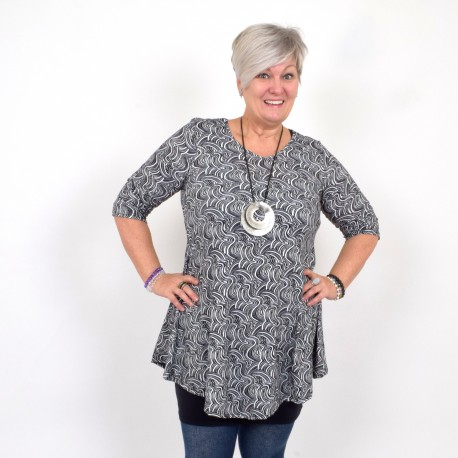 Flattering tunic with black and white pattern, MICHELLE