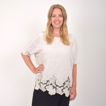 Summer blouse with lace