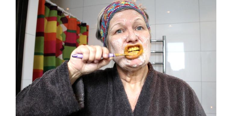 Marie testar urgamla skönhetsknep